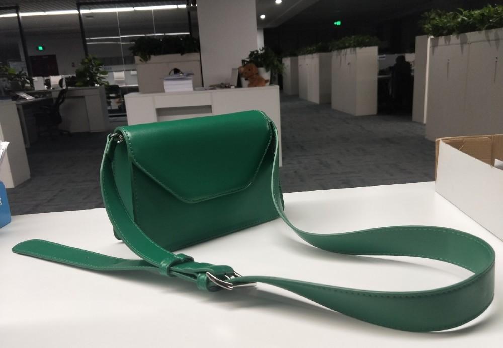 适合冬天的包包来了,超好看的搭配,更显气质